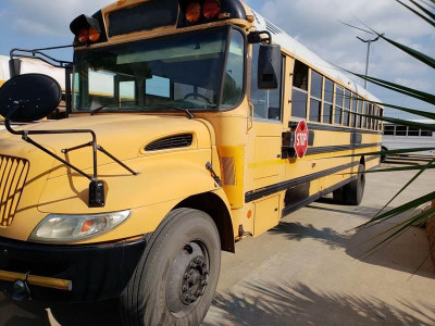 Charter Buses / School Bus Rentals And Leases | KWIPPED