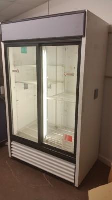VWR Sliding Glass Door Refrigerator True GDM-41