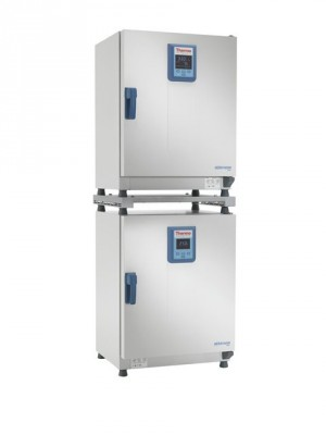 Thermo Heracell 150i and 240i CO2 Incubators with Stainless-Steel Chambers, 230V