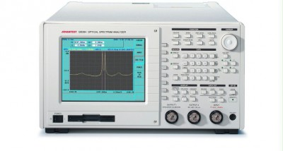 Advantest Q8384 Optical Spectrum Analyzer