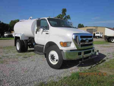 2000 Gallon Ford Water Truck