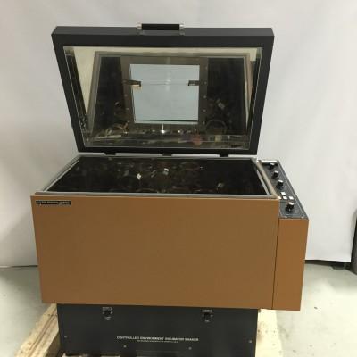 New Brunswick G25KC Controlled Environment Incubator Shaker
