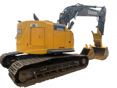 Excavator Rentals And Leases | KWIPPED