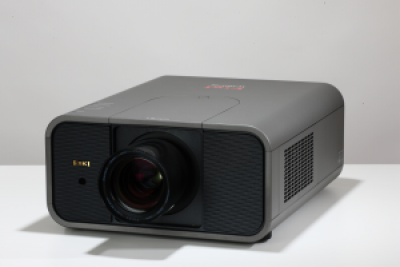 Eiki LC-HDT700 Projector