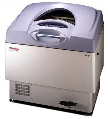 Thermo Scientific MaxQ 5000 Floor-Model Large Incubated/Refrigerated Analog Shaker, 120V