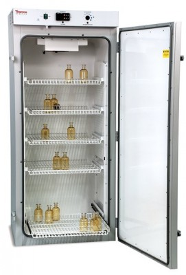 Thermo Precision Refrigerated Incubator, 30 cu ft, Glass Door