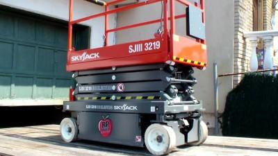 Skyjack 3219 - 19 Feet