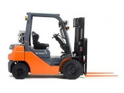 Toyota 8FGU25 5000LB Pneumatic Tire Forklift
